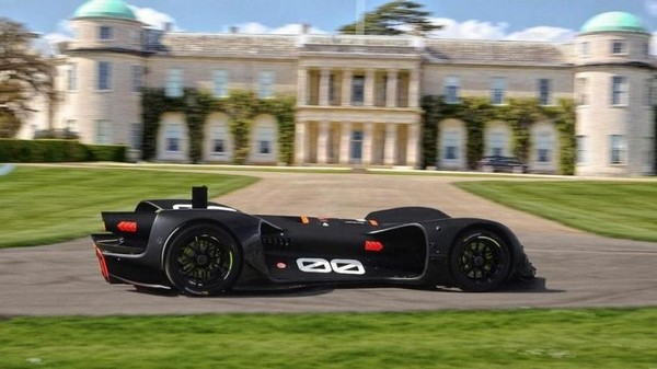 Robocar на фоне Goodwood House