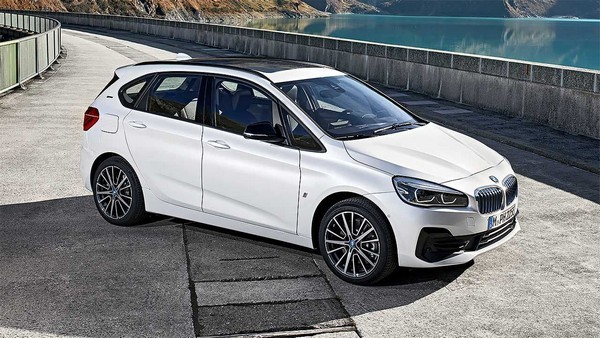 Плагин-гибрид BMW 225 xe Active Tourer
